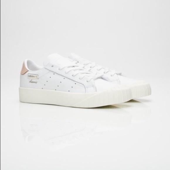 52317ec95607 Adidas Women s Everyn Platform Sneakers White NIB